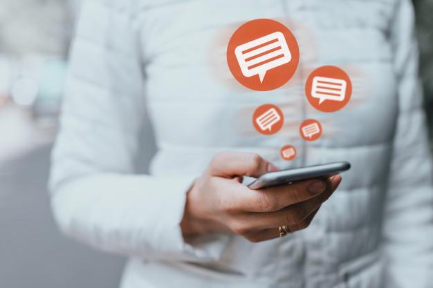 Как убрать поле сайт и e-mail в комментариях WordPress